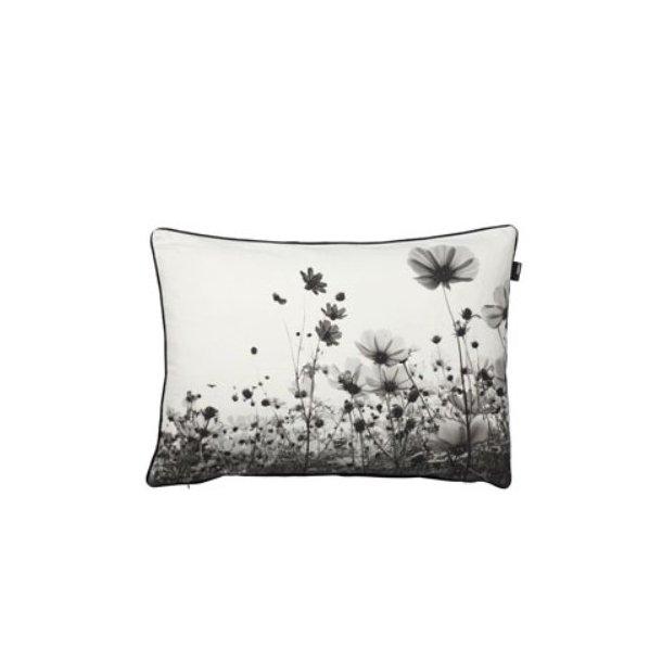 Södahl Poppy Field pyntepude, 40 X 60 cm. 100% bomuld, dun