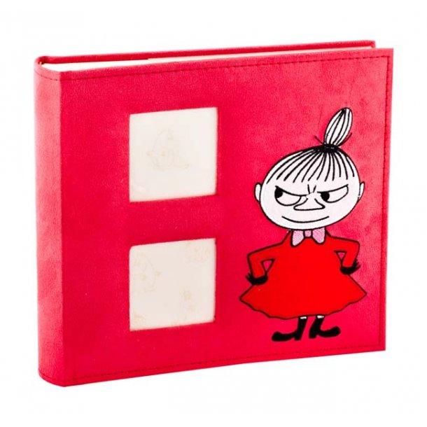 Mumi fotoalbum Lille My, Alcantara rød
