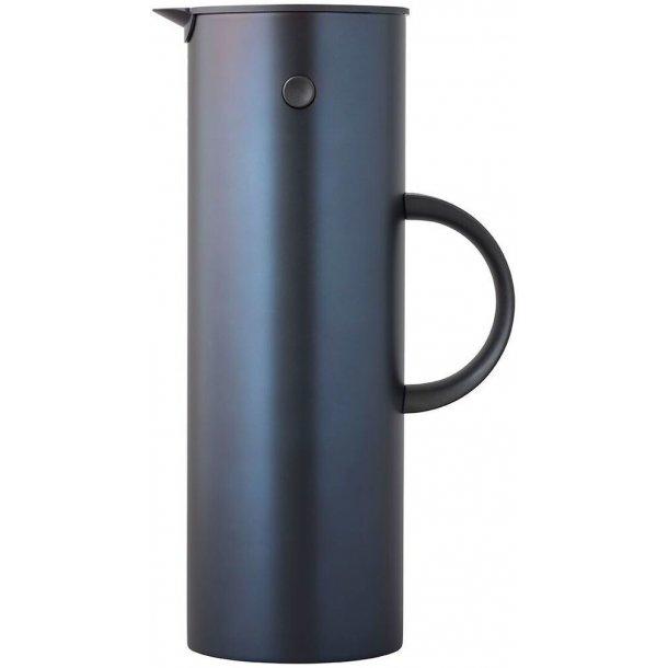 Stelton EM77 Termokande i metal, 1 liter - Dark Blue Metallic